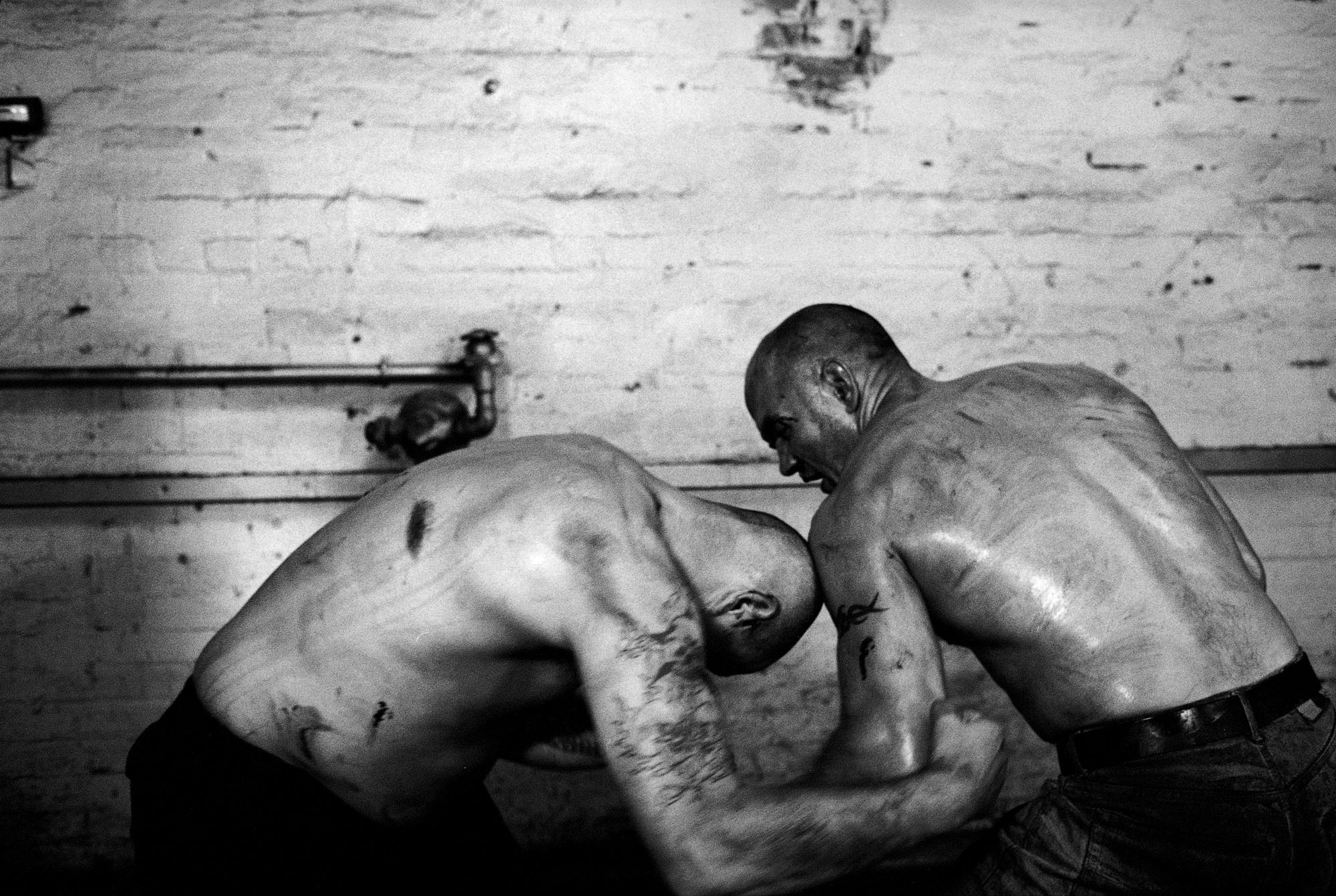 Knuckle bare fist fighting